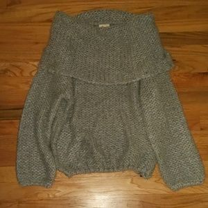 Chunky off the shoulder grey sweater